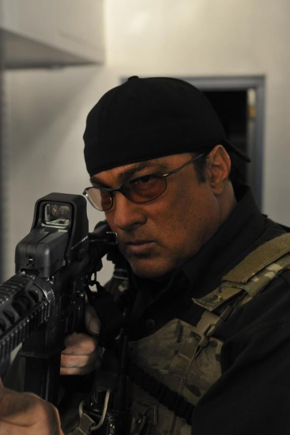 still-of-steven-seagal-in-maximum-conviction-(2012)